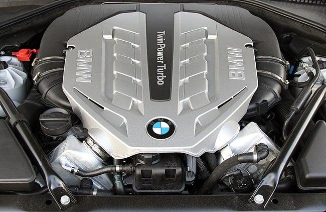 2011 BMW 550i xDrive Review engine