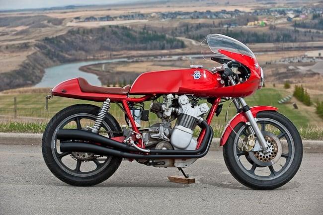 1975_MV_Agusta- motor
