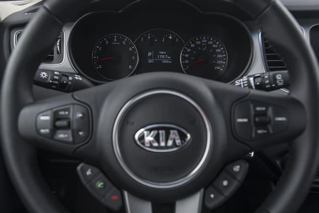 2014-kia-rondo-review