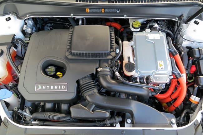 2014 Lincoln MKZ Hybrid engine