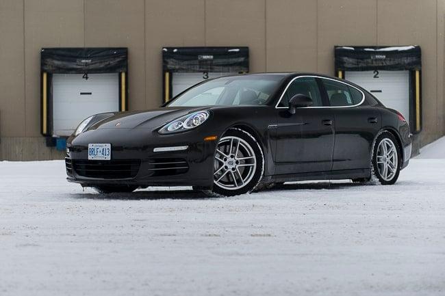 2014-Porsche-Panamera-4S front black
