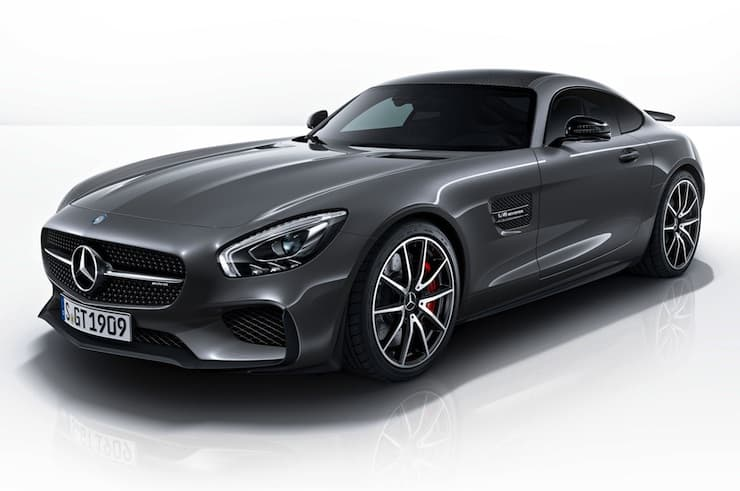 2016-Mercedes-AMG-GT-S
