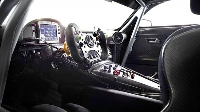 Mercedes-AMG-GT3-cabin