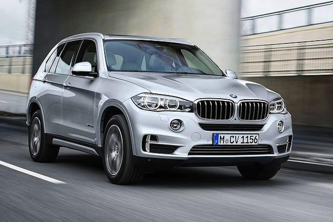 2016 BMW X5 xDrive40e Hybrid SUV front rolling
