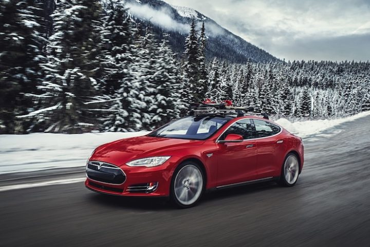 2015 Tesla Model S P85D Review [VIDEO]