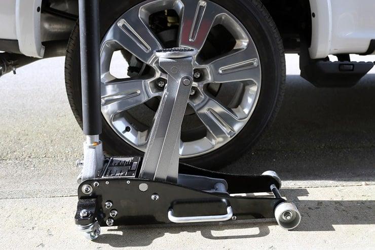 MotoMaster Quick Lift Steel /Aluminum 3-Tonne Garage Jack