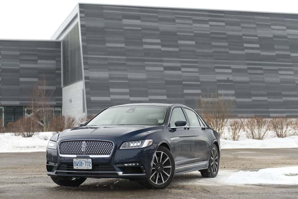 in pictures inside the 2017 lincoln continental reserve awd sedan. Black Bedroom Furniture Sets. Home Design Ideas