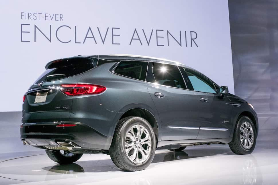 all new 2018 buick enclave avenir debuts at new york auto show. Black Bedroom Furniture Sets. Home Design Ideas