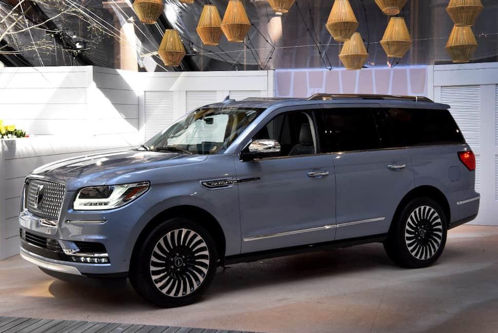 2018 Lincoln Navigator front