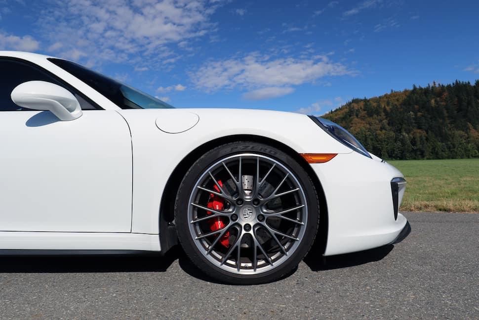 2017 Porsche 911 Carrera 4S Review wheel