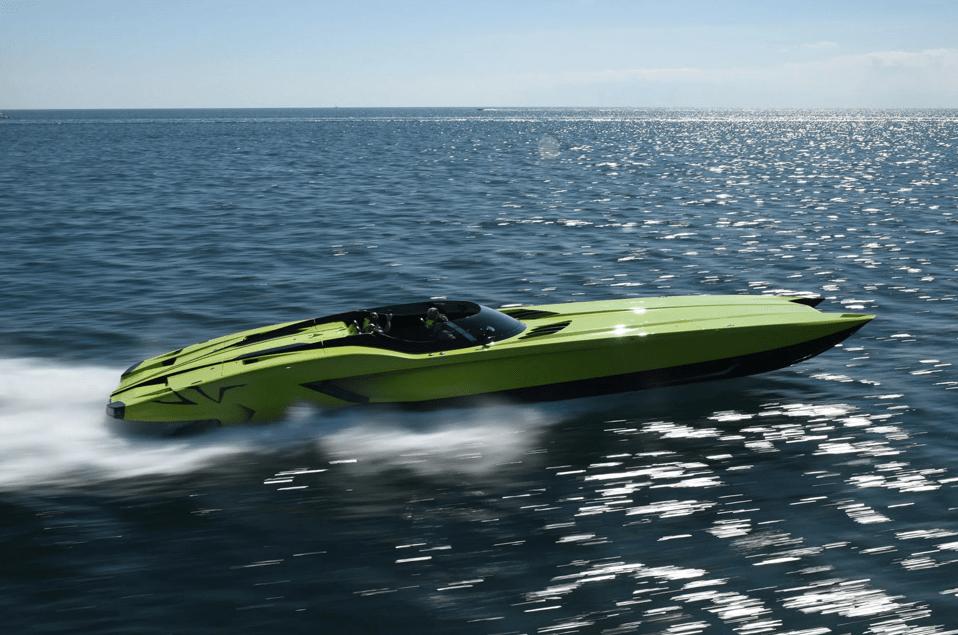 Lamborghini Aventador SV Speedboat sideview