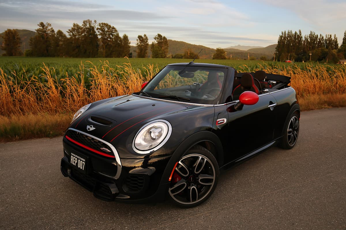 2017 mini cooper convertible with 228 hp john cooper works. Black Bedroom Furniture Sets. Home Design Ideas