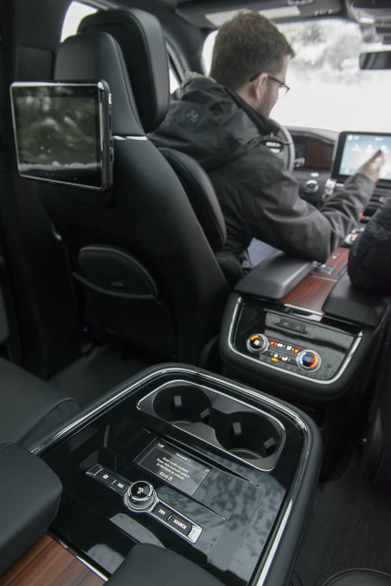 2018 Lincoln Navigator amee reehal (19 of 22)