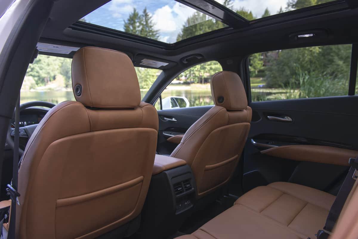 2019 Cadillac XT4 rear seats cabin
