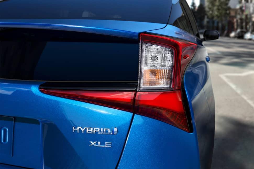 2019 Toyota Prius AWD 2