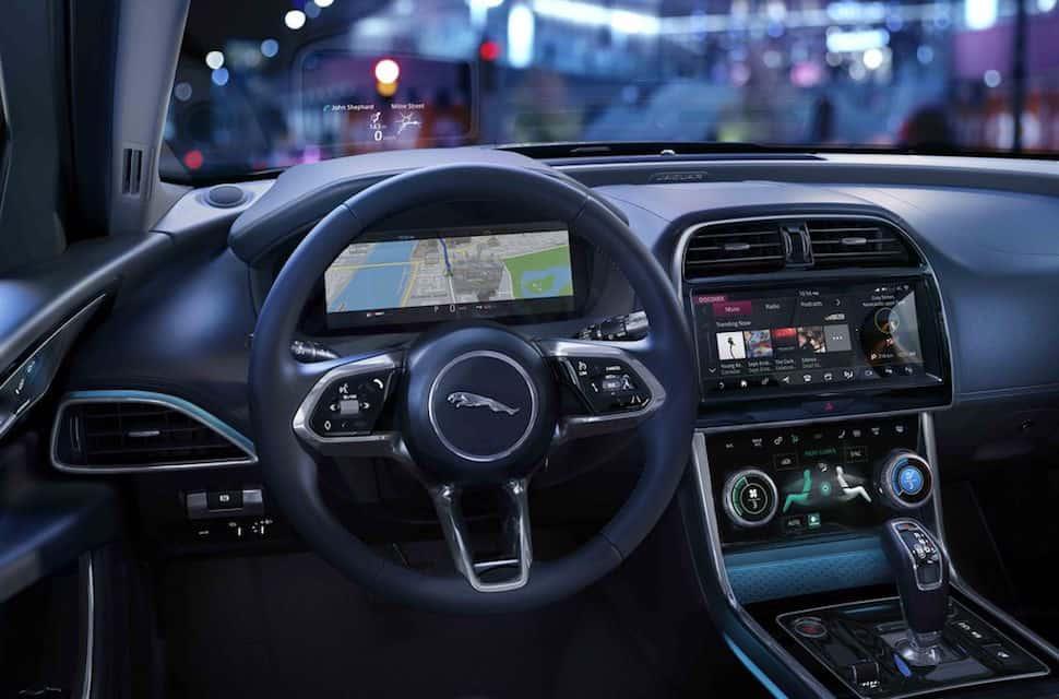 2020 Jaguar XE interior 2