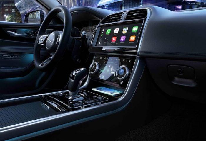 2020 Jaguar XE interior 3