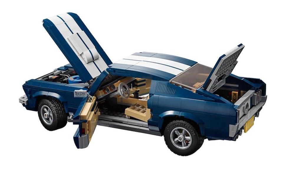 lego creator 1967 mustang fastback rear doors open