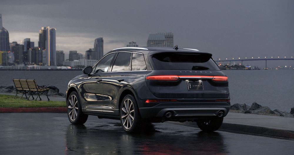 2020 Lincoln Corsair mid-size suv