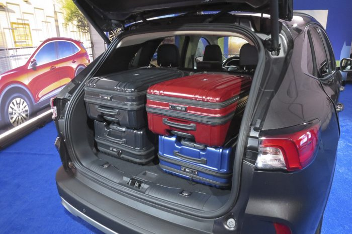 2020 ford escape rear cargo with 4 suitcases