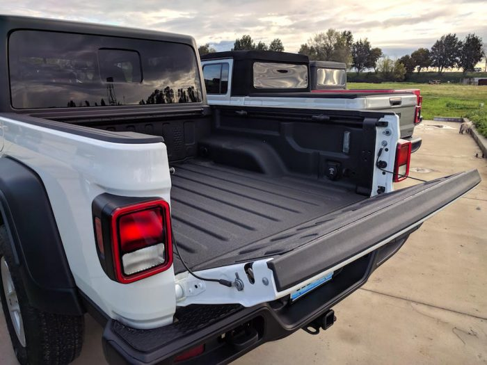 2020 jeep gladiator pickup rear bed