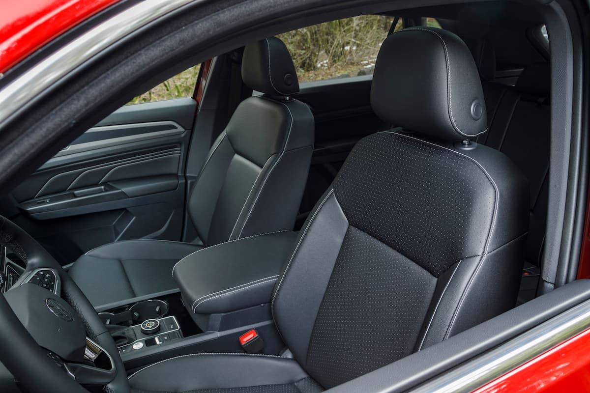 2020 Volkswagen Cross Sport front seats