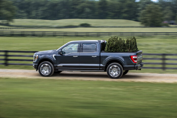 2021 Ford F-150 rolling sideview