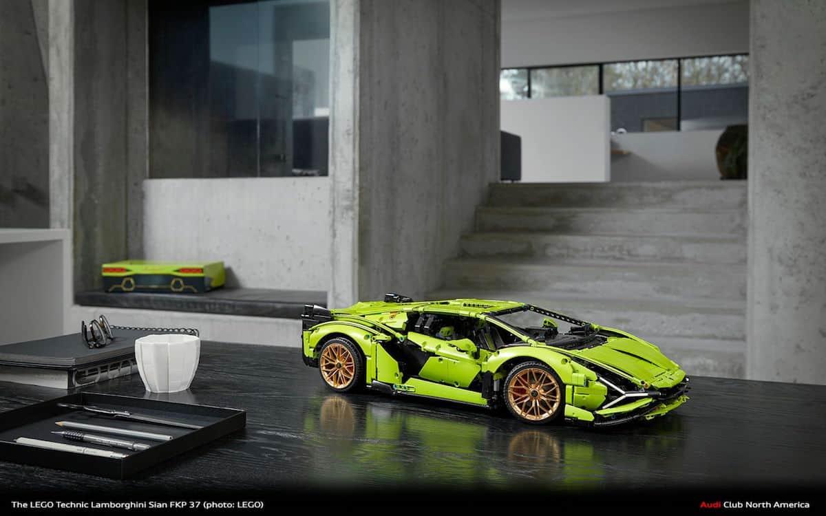 Lego Technic Lamborghini Sián FKP 37 table top