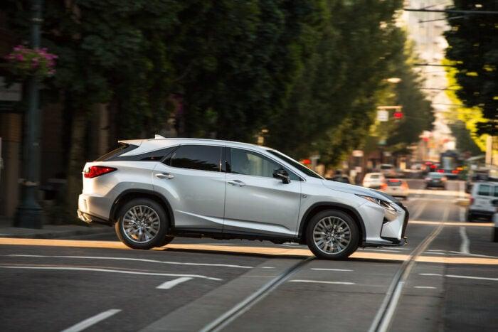 2020-Lexus-RX350-white-side-view