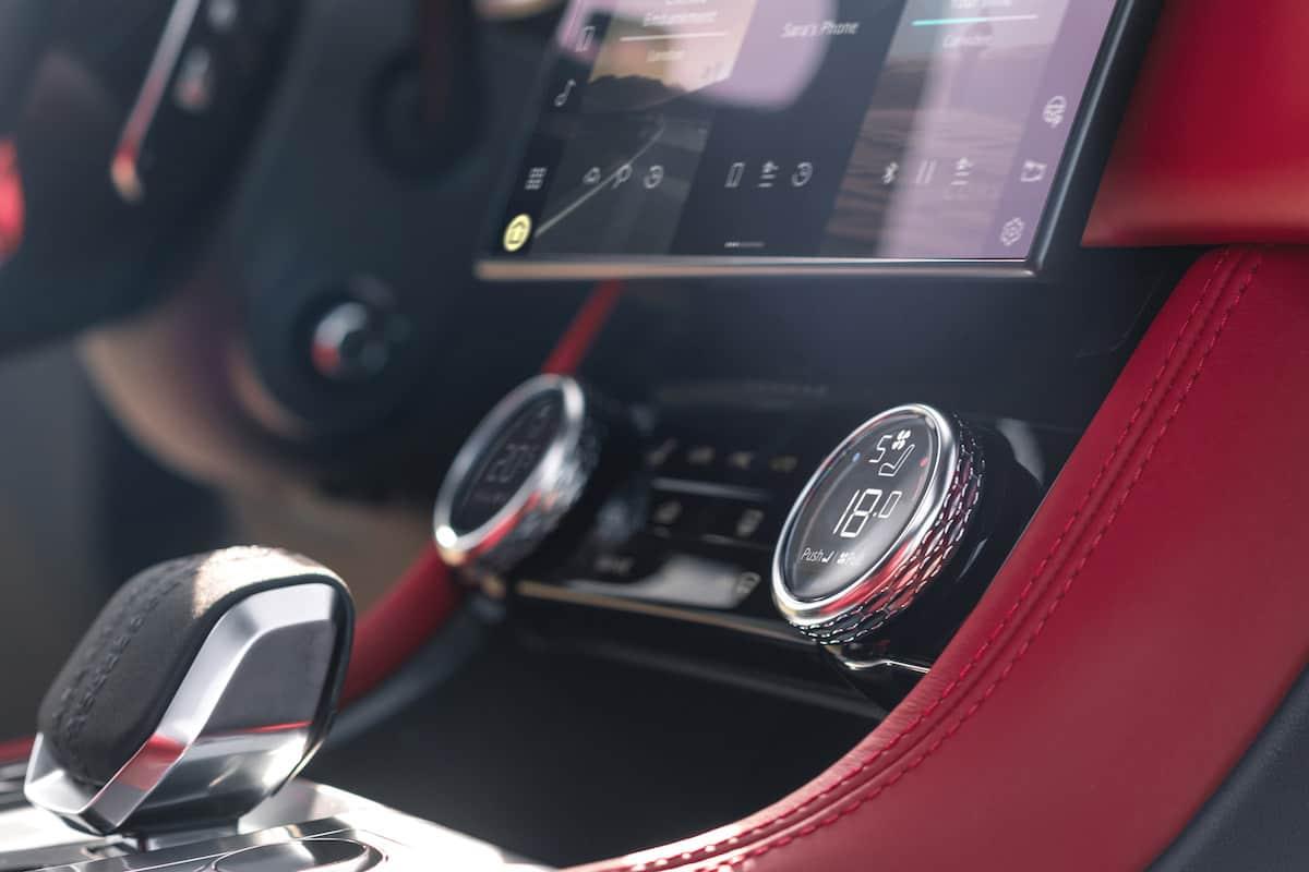 2021 Jaguar F-PACE Interior 10