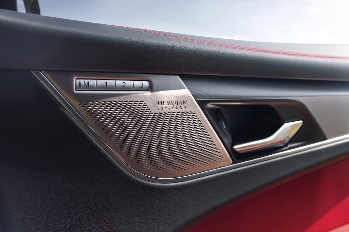 2021 Jaguar F-PACE Interior 15
