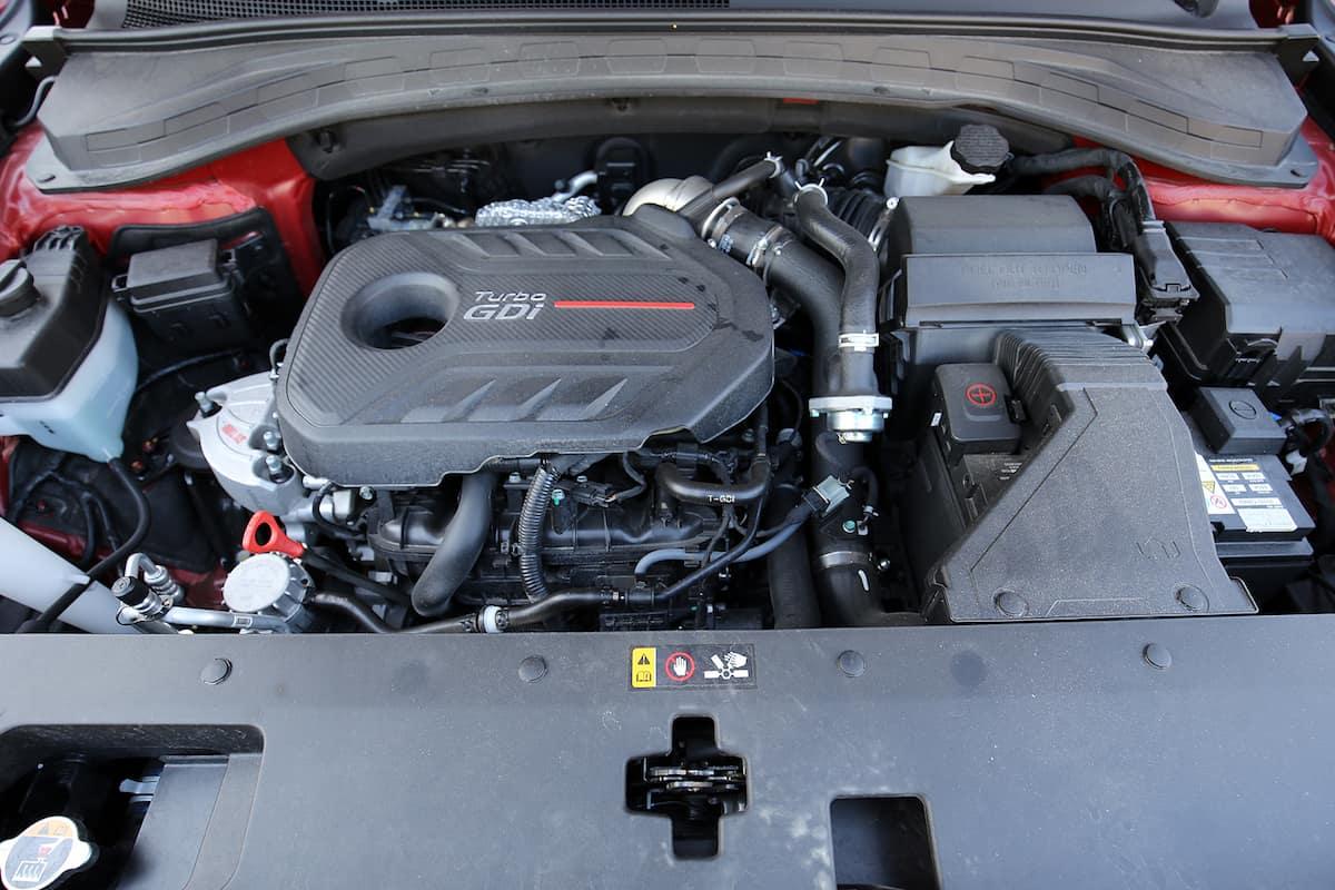 2020 Hyundai Santa Fe compact SUV engine
