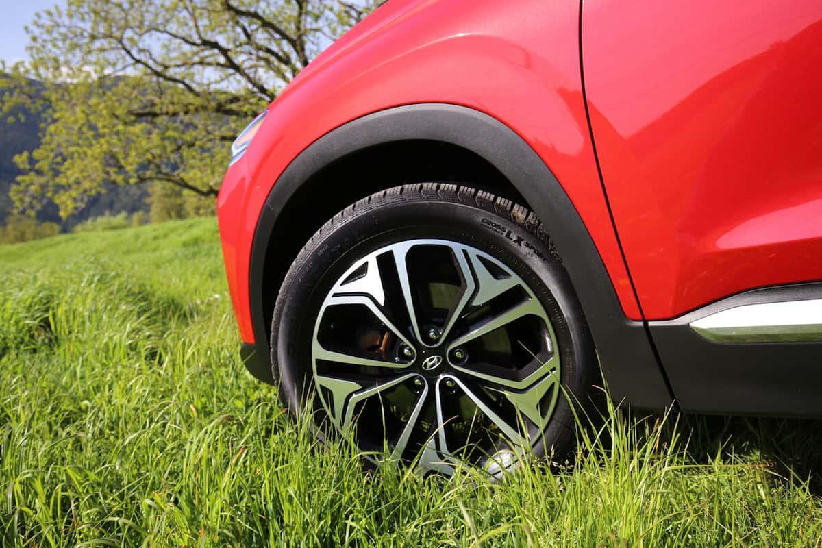 2020 Hyundai Santa Fe compact SUV front wheel