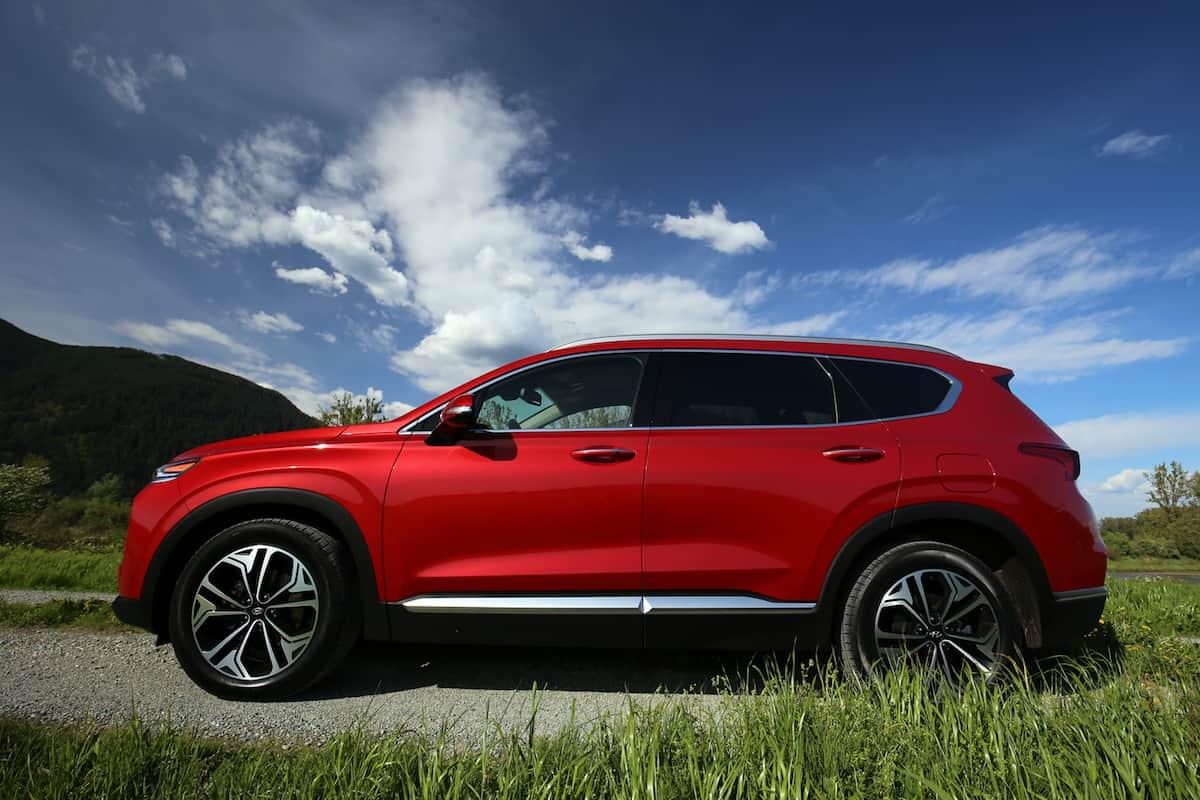 2020 Hyundai Santa Fe compact SUV side view