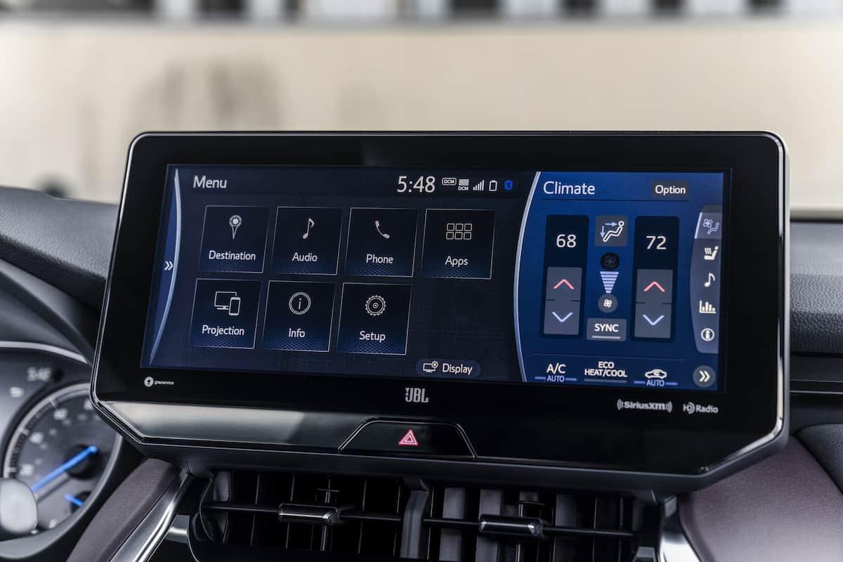 2021 Toyota Venza XLE touchscreen