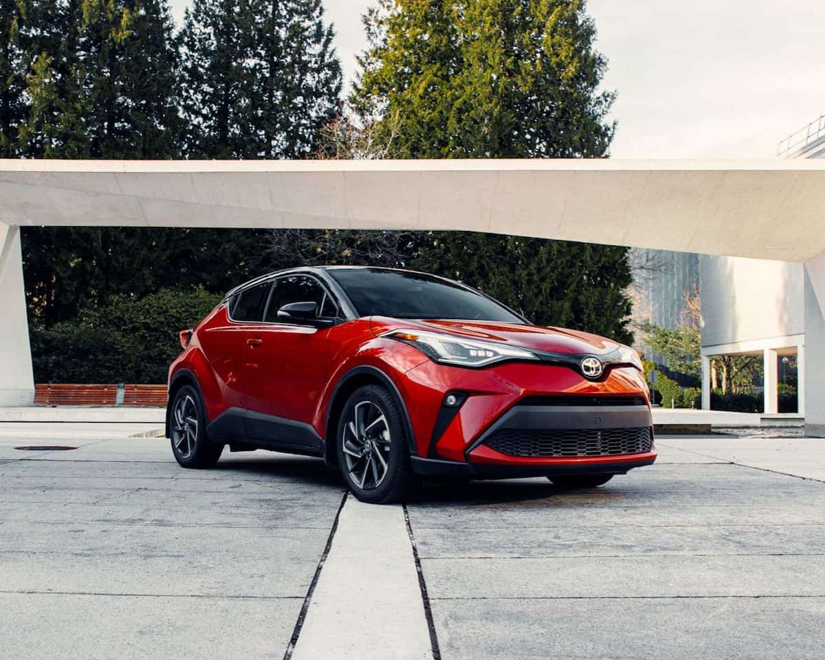 toyota-2021-c-hr-limited-supersonic-red-black-roof-front-right-2-3-l