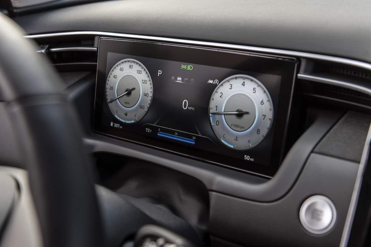 2022 Hyundai Tucson driver gauges