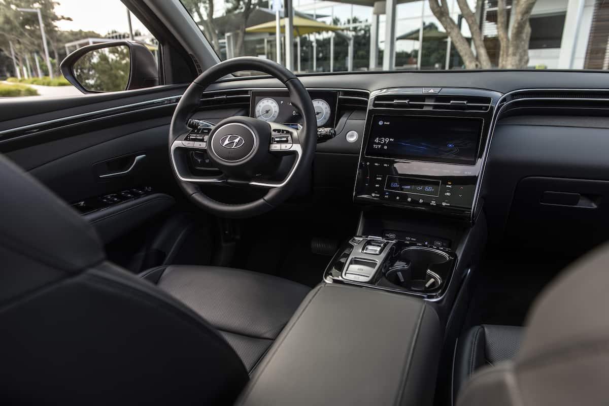 2022 Hyundai Tucson front interior cockpit
