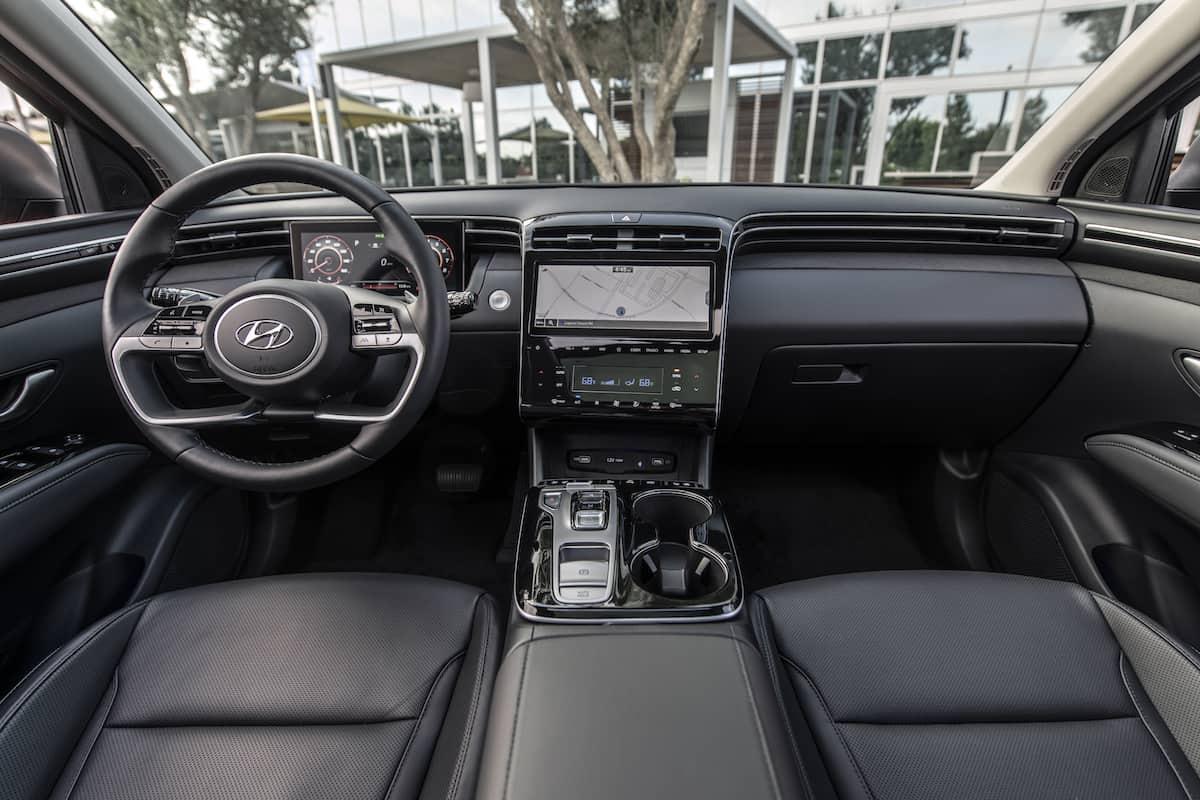 2022 Hyundai Tucson interior front