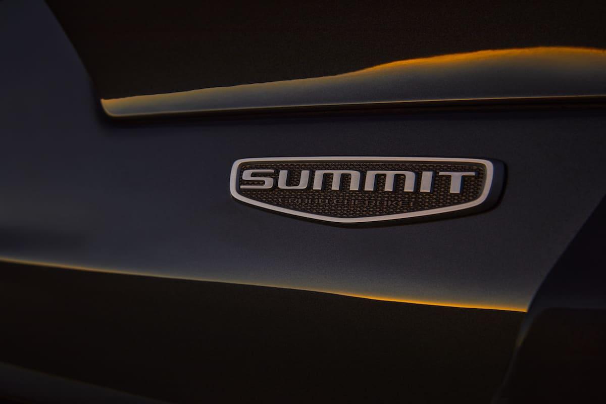 All-new 2021 Jeep® Grand Cherokee L Summit Reserveexterior Summit Reserve badge.