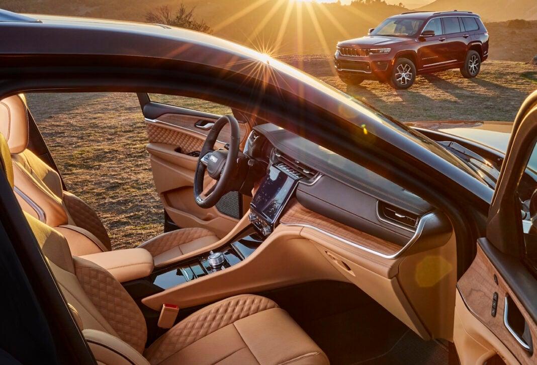 2021 Jeep Grand Cherokee L Interior: Inside the 3-Row SUV ...
