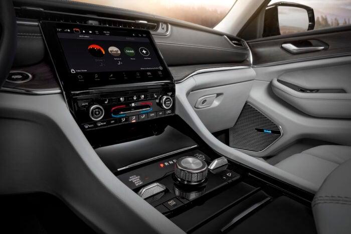 2021 Grand Cherokee L Interior. Photo: Jeep