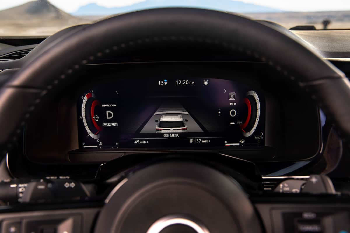2022 Nissan Pathfinder_L-10
