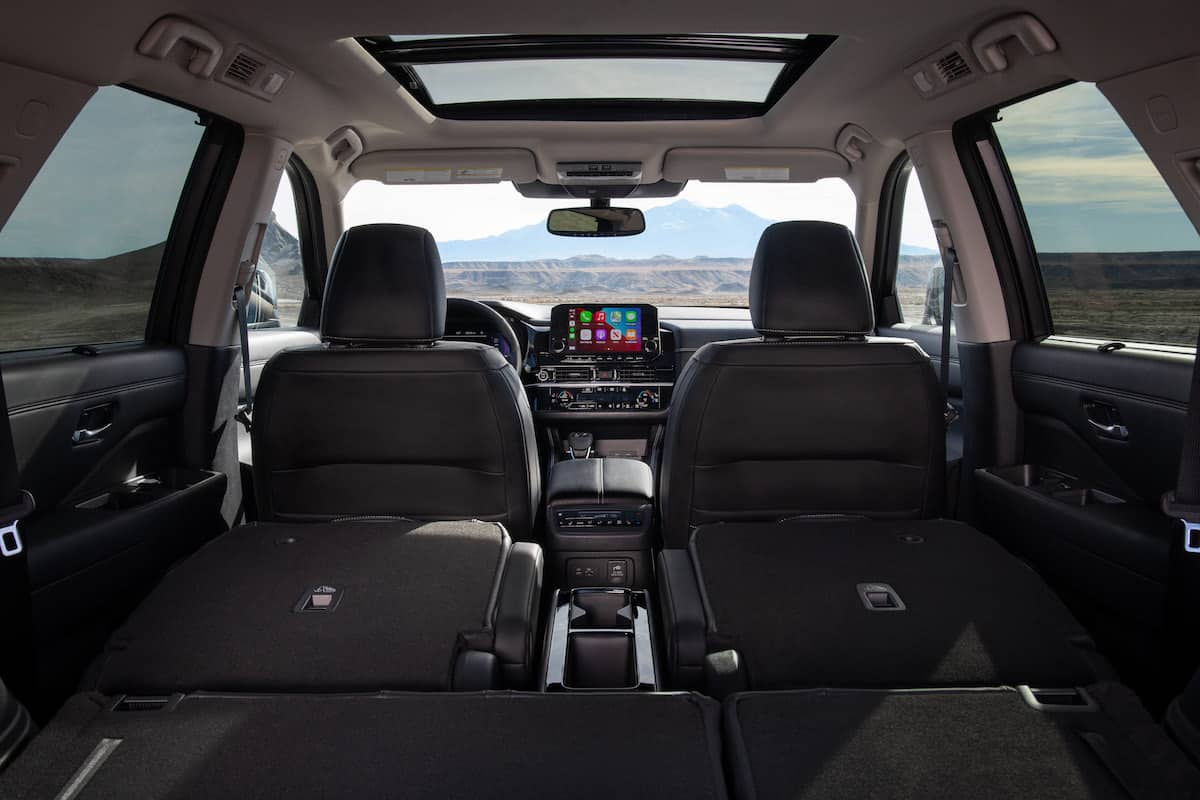 2022 Nissan Pathfinder interior seating