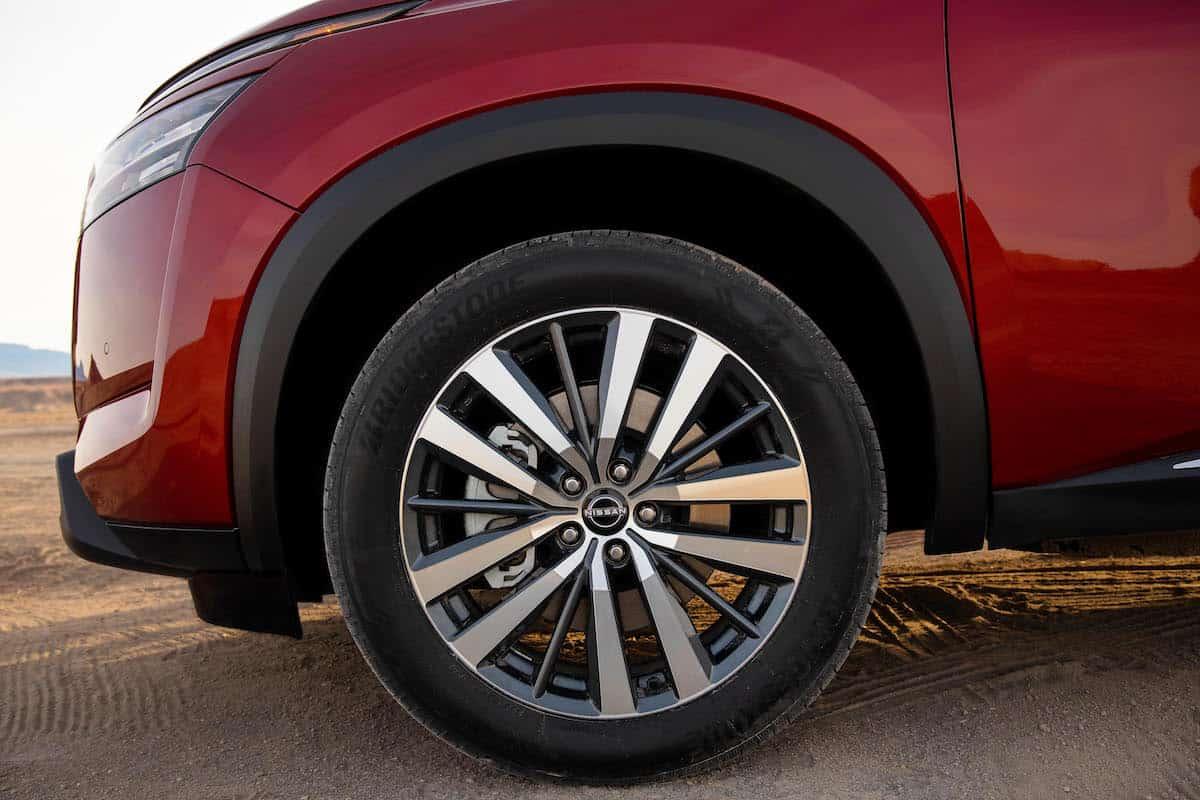 2022 Nissan Pathfinder_L-18