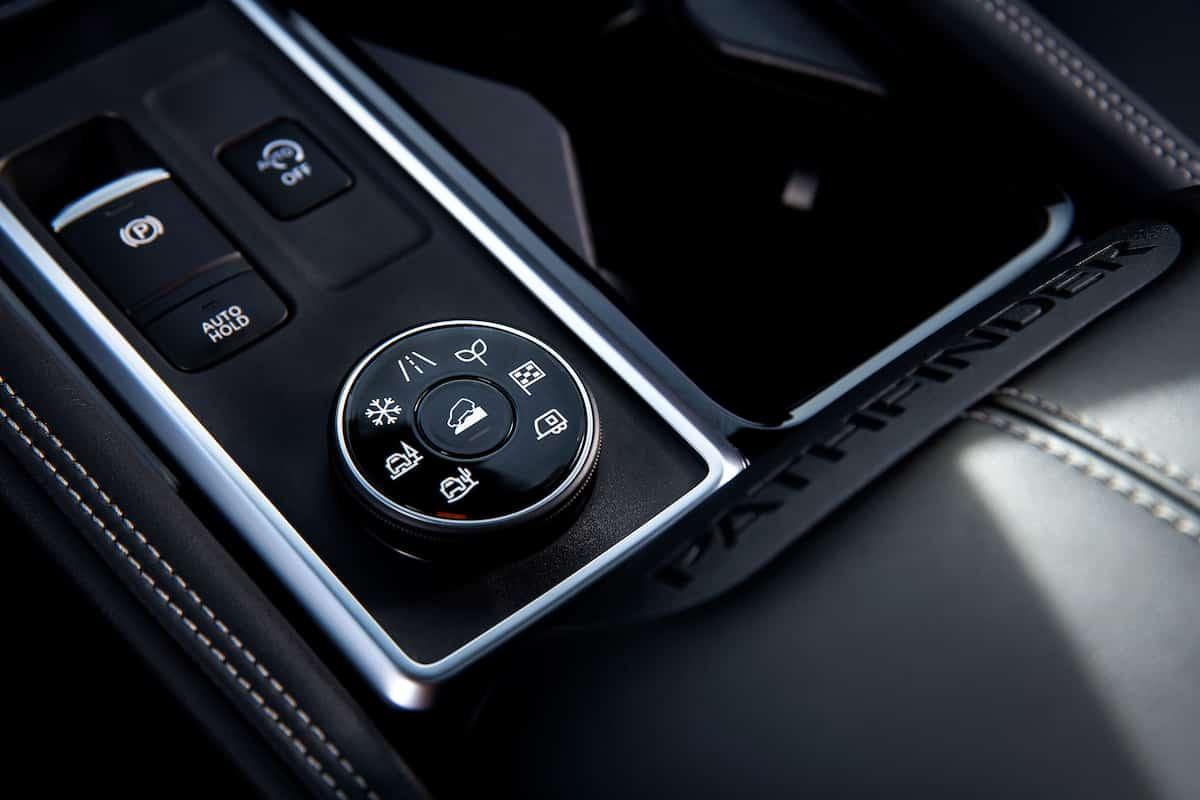 2022 Nissan Pathfinder_L-8