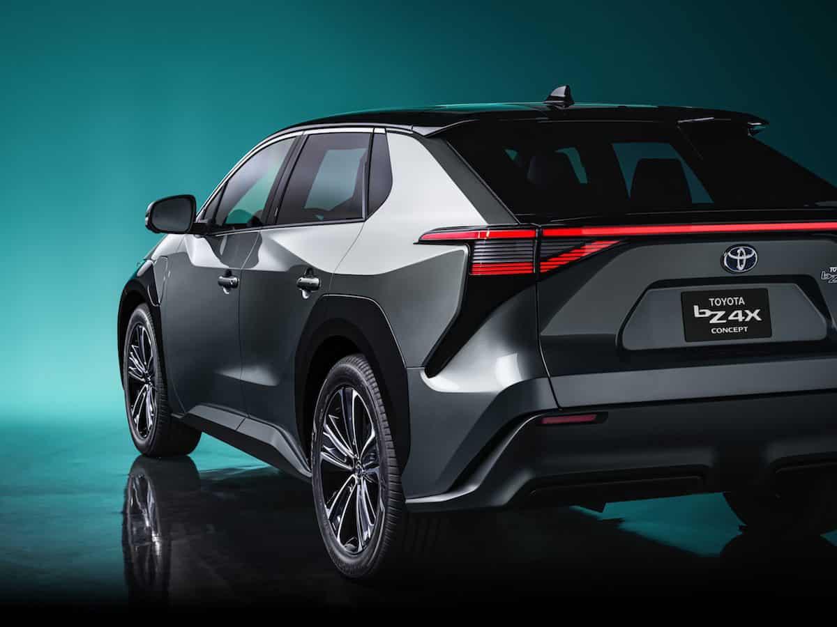 Toyota bZ4X SUV Concept 6