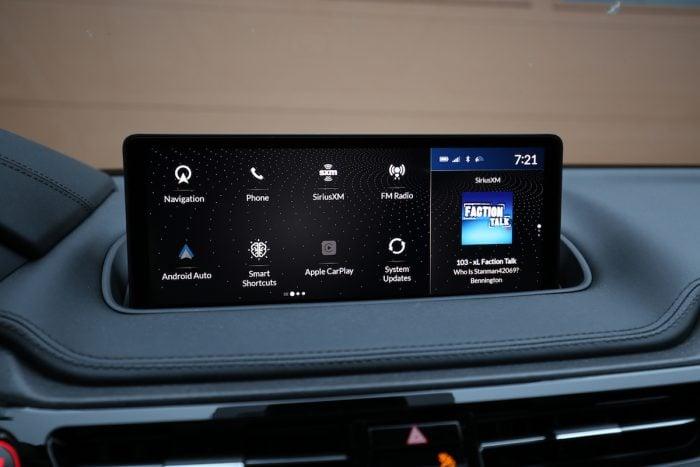 2022 Acura MDX screen