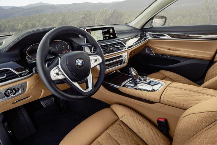 2022 BMW 7 Series interior
